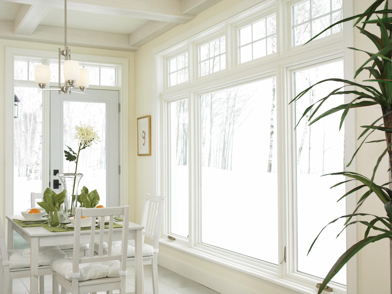 Aidez les propriétaires à être confortables grâce aux fenêtres durant l'hiver