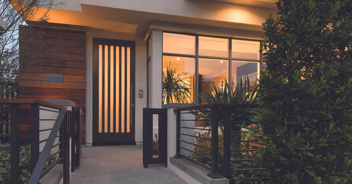 Fiberglass_entry_door